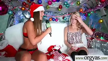 getting the babe girls christmas tree present at horny their Bella ten por el culo