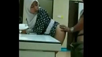 indonesia di mesum warnet jilbab Girls first anal sex trial unaware