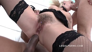 while fucked hard husband cougar gets cuckold Using rotter popper