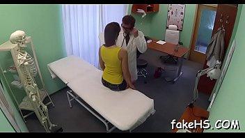 viodes doctor pragent Spitting cum on camer lens