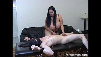slaps slave mistress Mostra on cam