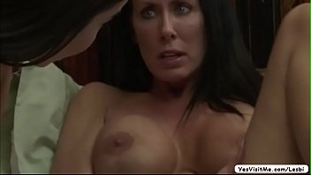 horny helps son her Get head inside asshol5