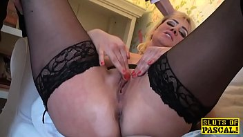 sex english www Naughty brunette babe flashed her tits for a free ride
