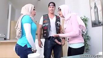 khalifa interview mia Orgasm hands fre