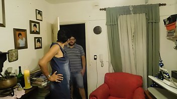 vez primeira la Huge boobs stepmom railed with young man and his gf