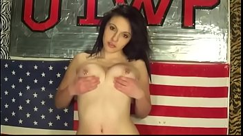 smothering big femdom breast Soutient gorge ouvert
