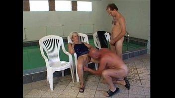 shitting10 hidden desi women and pissing Young guys in swimmingpool
