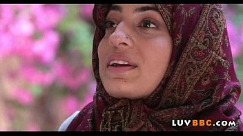 hd hijab girl muslim El pene hacia arriva