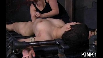 legs plowed and bitch spreads asian her open gets Se le rompe el forro