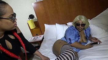 big kenyan booty Mistress makes slave bathe in her pee