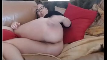 wife face spanked This guy likes large curves girlies as well